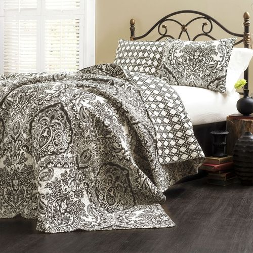 Queen 3-Piece Quilt Set 100% Cotton in Black White Damask