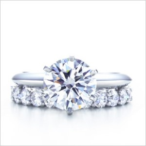 Rings Tiffany & Co. LOVE. This is exactly what I want, the band I want to  be tiered though (skinny at diamond, then get wider)