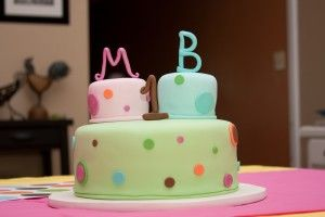 Twin Birthday cake, with two smash cakes on top