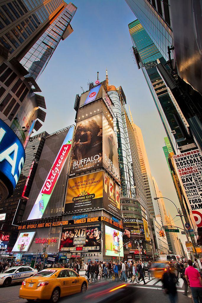 Times Square – New York City – New York – USA (vo…