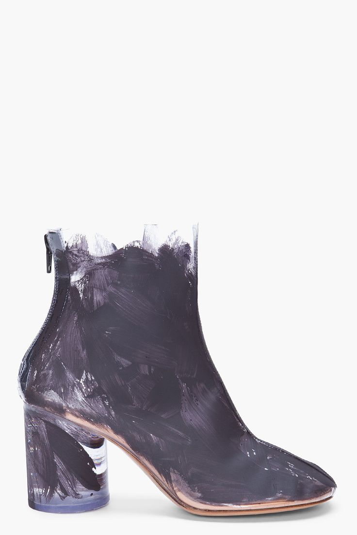 .Fashion Shoes, Painting Booty, Martin Margiela Painting, Painting Transparent, Margiela Booty, Transparent Boots, Girls Shoes, Shoes Shoes, Maison Martin Margiela