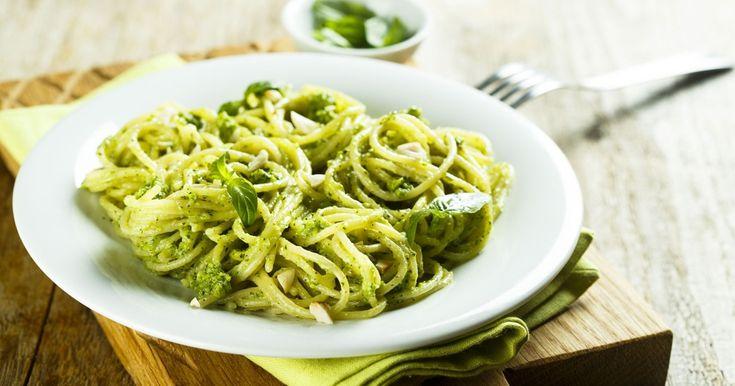 Découvrez cette délicieuse recette des spaghettis avec pesto alla genovese