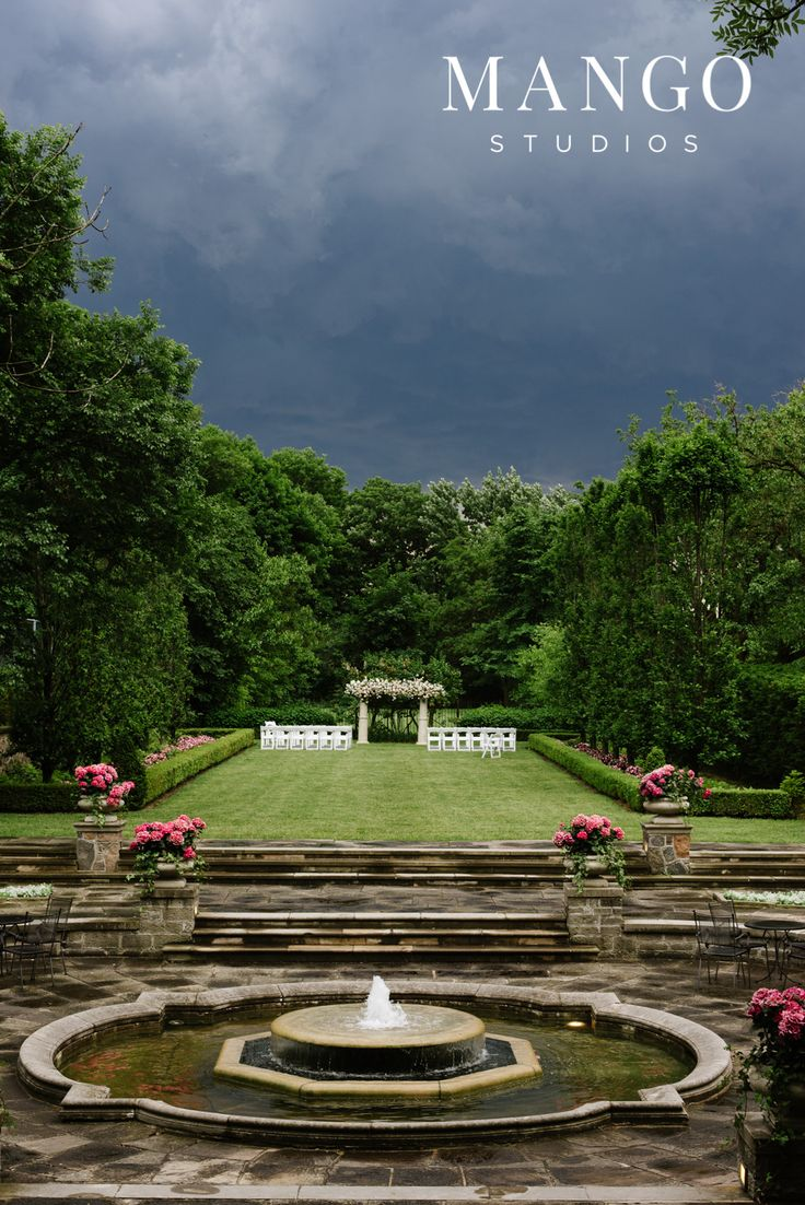 #ceremony #wedding #fountain #outdoors #ideas #inspiration #green #flowers #sky #mangostudios