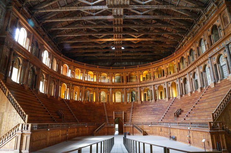 Teatro FARNESE PARMA ...interamente di legno