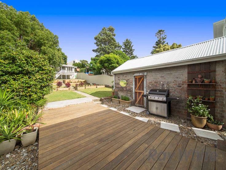 85 Harriet Street, Waratah, NSW 2298 - garden and garage
