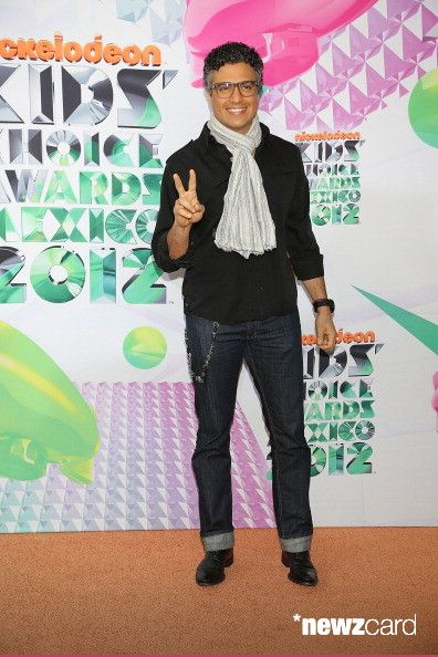 Jaime Camil arrives at Kids Choice Awards Mexico 2012 at Pepsi Center WTC on September 1, 2012 in Mexico City, Mexico.  (Photo by Victor Chavez/WireImage)