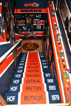 The Chicago Bears cave. oh my word.....if this was Yankees or Giants it would be amazing!!!!!!