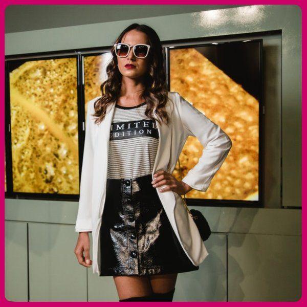 Fashiondesignertemplate In 2020 Professional Fashion Fashion Design Design Assistant