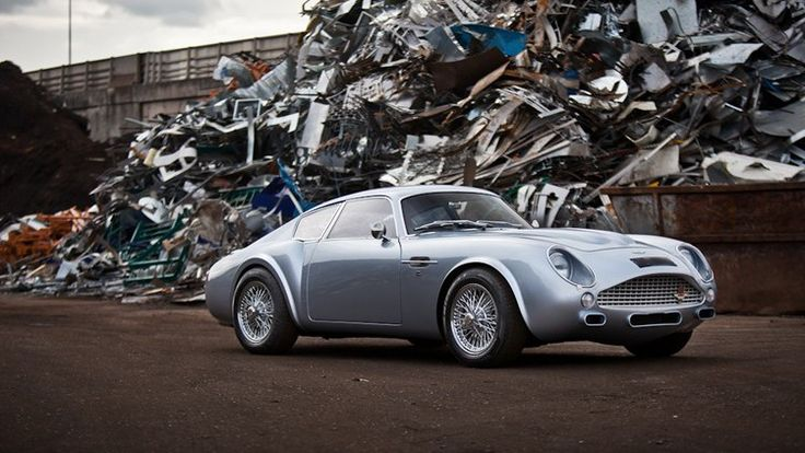 View detailed pictures that accompany our Evanta Aston Martin DB7/DB4 GT Zagato Evocation article with close-up photos of exterior and interior features. (18 photos)