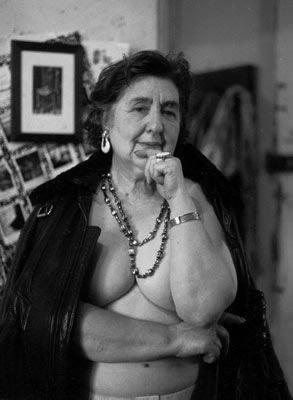 Alda Merini. Mi piace qui, provocatoria, intelligente, serena anche nel ricordare e rivivere la violenza del manicomio.