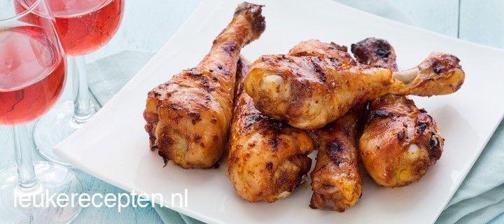 lekkere kippenpoten in een zoet pittige marinade van tabasco, honing en ketchup