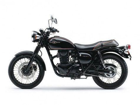 Satu lagi pabrikan motor Jepang yang kembali menghidupkan legenda klasik mereka, yakni Kawasaki. Sangat terkenal dengan produk motor sport yang revolusioner, kini Kawasaki hadirkan Estrella 250 dengan sosok yang old-school.