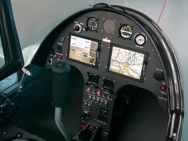 Glass cockpit of an Autogyro Calidus.
