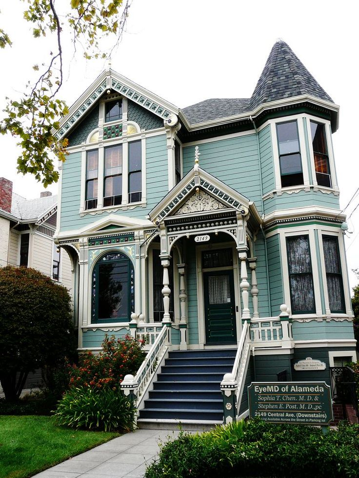Beautiful turquoise Victorian house  Not really sure about the color....