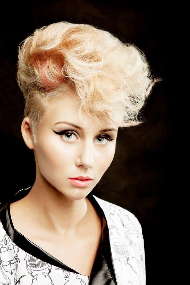 #MATRIX Digital Edge inspiráció #Hair: Kata Boros   Több kép és infó: http://remeka.hu/index.php/szepsegipar/fodraszat/divat/552-digital-edge-matrix-2014-ben-is