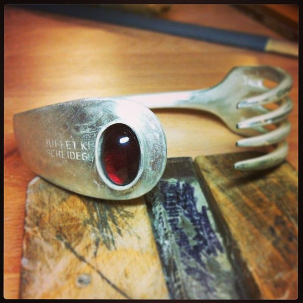 Forklet with garnet before setting and polishing. Made by ckumke. #silver #schmuck #selfmade #schmuckstück #garnet #handmade #jewellery #jewelry #fork #goldschmied #goldsmithy Web Instagram User » Followgram