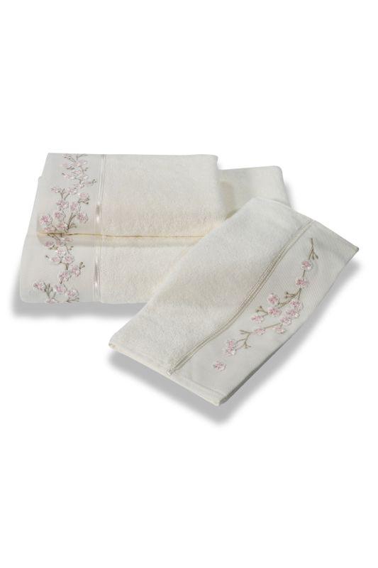 Bambusowe ręczniki RUYA 32x50 cm, 50x100cm i 85x150 cm w kolorze kremowe. Ręczniki te mają 4x większą chłonność niż bawełna, są bardzo miękkie, delikatne i szybko schną. Ręczniki z kolekcji RUYA wykonane są z bambusowego materiału, mają właściwości antybakteryjne i hipoalergiczne, nadają się dla alergików i osób ze skórą wrażliwą. Zdobione są haftowanymi wiosennymi kwiatami i satynową wstążką.