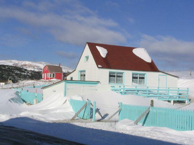 Winter in saint-pierre, SPM, white house ◆Saint-Pierre-et-Miquelon — Wikipédia http://fr.wikipedia.org/wiki/Saint-Pierre-et-Miquelon #Saint_Pierre_and_Miquelon