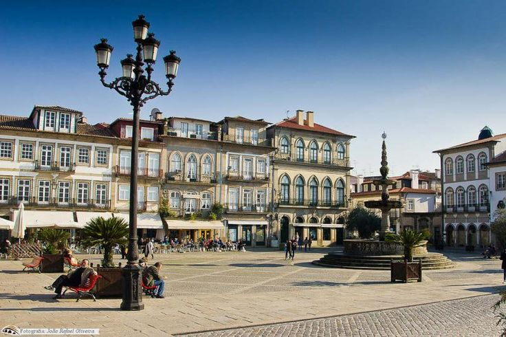 Praça de Camões em Ponte de Lima, Portugal