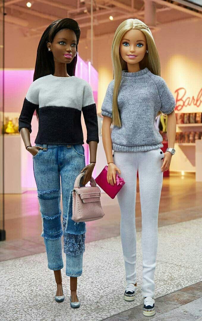 O Estilo Da Fashionista Mais Famosa Do Mundo Barbie Em 2020