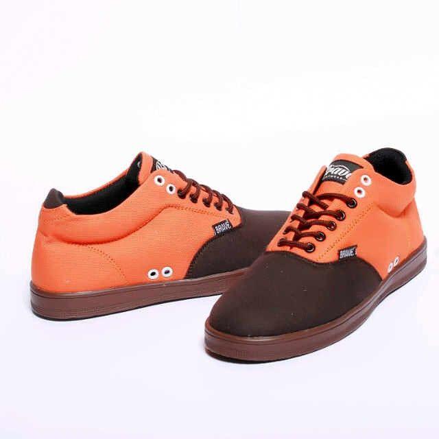 Brave Treguier, Warna: Orange Brown, Size : 40-44 Untuk Pemesanan Online Kunjungi : www.rockford-footwear.com *Gratis pengiriman ke seluruh Indonesia Email: contact@rockford-footwear.com Pin :...