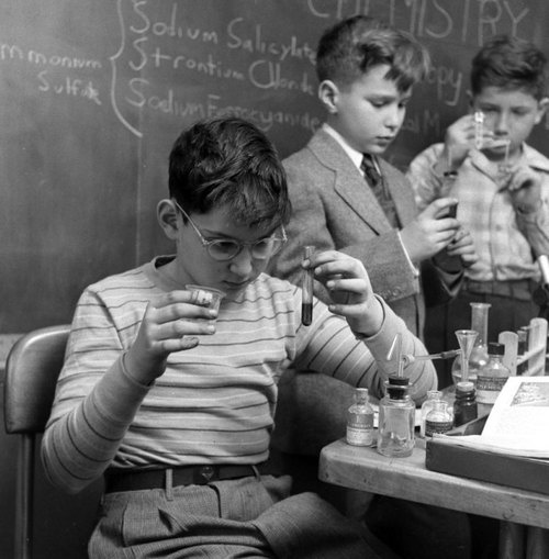 "bygoneamericana:    A public ""genius school"" for 3-to-11-year-olds at New York's Hunter College, 1948.  By Nina Leen"