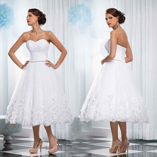 I found some amazing stuff, open it to learn more! Don't wait:https://m.dhgate.com/product/sexy-white-short-lace-wedding-dresses-pleated/393291749.html