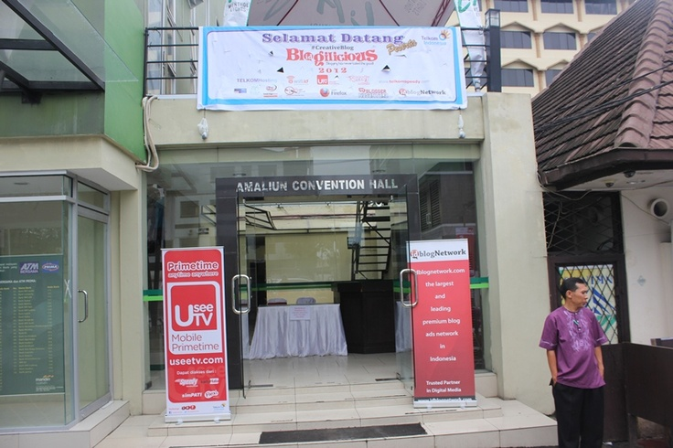 Tampilan Muka Gedung Blogilicious Medan 2012