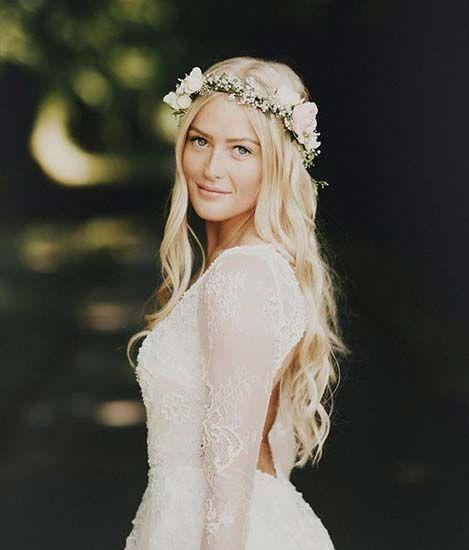 matrimonio boho chic sposa corona fiori