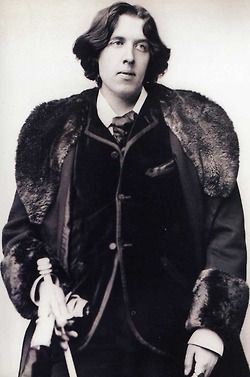 le-smiths:    selfobsessionhoney:    Sharp Dressed Man    Oscar Wilde. (y)    Oscar Wilde will forever inspire me. Also, he's one of my style icons! I like the flamboyant, romantic, dandy apparel!