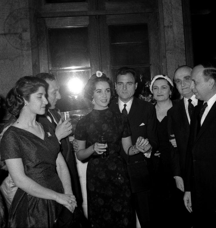 Aνέκδοτες φωτογραφίες από το αρχείο  Μεγαλοκονόμου  στην Τράπεζα της Ελλάδος