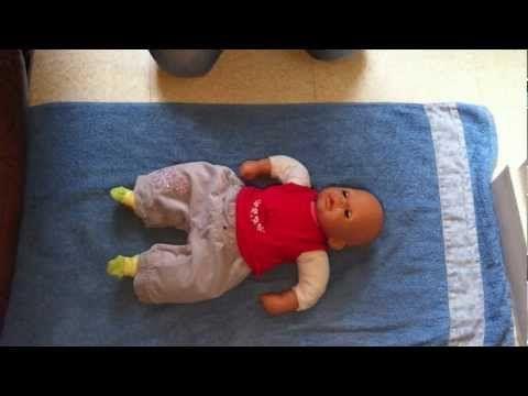 Secourisme - Réanimer un bébé - Gestes de secourisme à effectuer en cas d'urgence: Urgence bébé - YouTube
