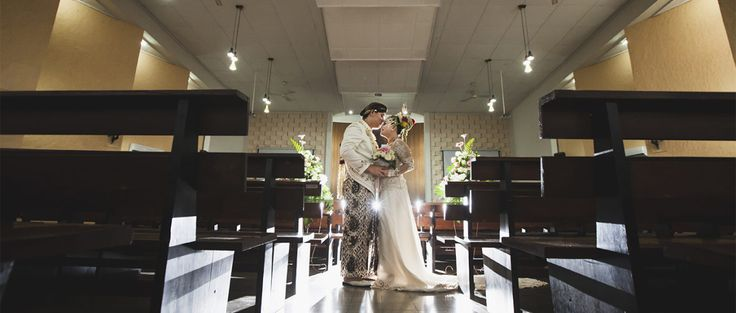 Choosing the Right Wedding Photographer, pernikahan adalah salar satu peristiwa besar dalam kehidupan setiap manuasia dan dokummentasi pun menjadi sebuah unsur penting yang tak terpisahkan dari sebuah acara pernikahan.