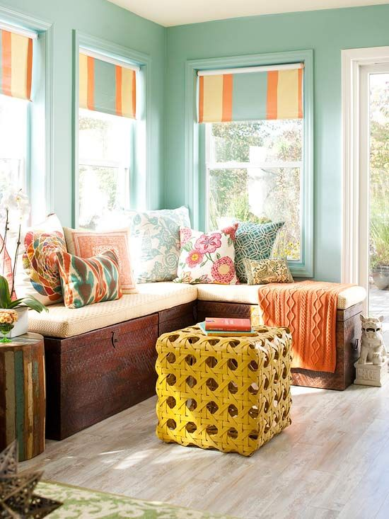 clever idea: use 3 trunks as benches for a corner window seatDecor, Wall Colors, Ideas, Sunrooms, Windows Seats, Living Room, Trunks Show, Colors Schemes, Sun Room