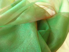 Crystal Organza Stoff grün/rot