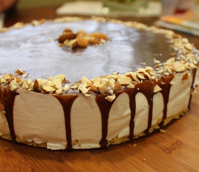 Делала тортик для своего любимого мужа. Он его просто обожает :) Делала по рецепту Анюты , за что ей огромное спасибо! Тесто : 1 ст. муки 7 желтков 1/2 ст. сахара 100 гр.…