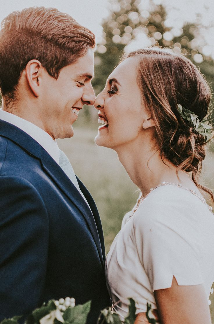 Beautiful, swoon-worthy mountain elopement inspiration taken in the Utah mountains. Adorable close up shot | photo by Simply Amor Photography