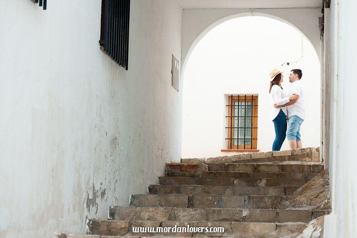 Sesion de fotos preboda en Altea, Alicante. Si buscas vídeos y fotos de boda románticas, diferentes y originales, ponte en contacto con nosotros.