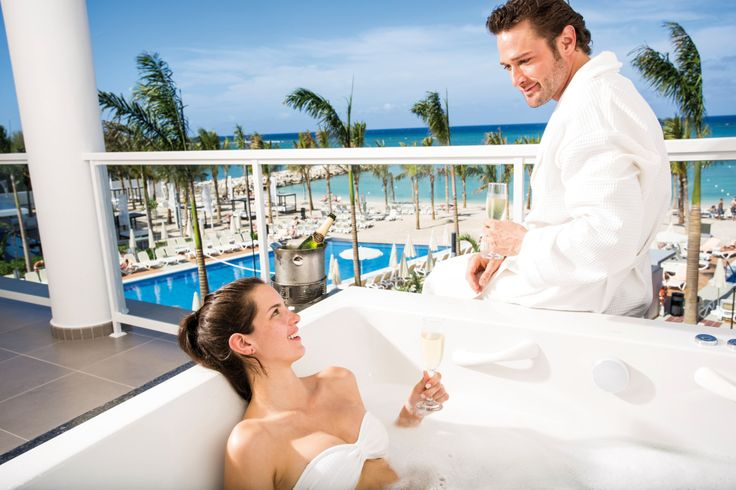 Jacuzzi Suite at Riu Palace Jamaica, ocean views - All Inclusive hotel in Montego Bay, Jamaica for Adults Only
