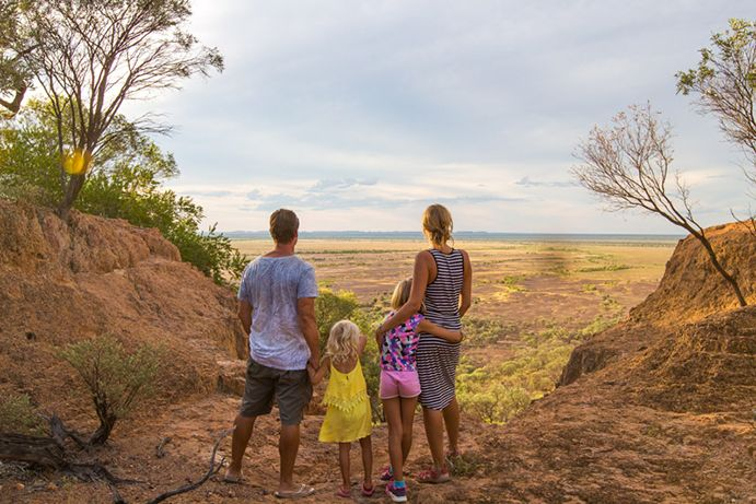 WHY YOU SHOULD TAKE A FAMILY TRIP TO OUTBACK QUEENSLAND Ditch the textbooks and head to Outback Queensland with your kids for a rich and connected learning experience. | Queensland Blog