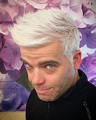 #antoniocortez #atelier #artist #haircut #platinum #menscut #grooming #hairdesign #hairstyle #hair #hairstylist #cabelo #cabeleireiro #peluquero #coiffeur #style #fashion #moda #look #men #boy #penteado #white #whitehair #colorhair