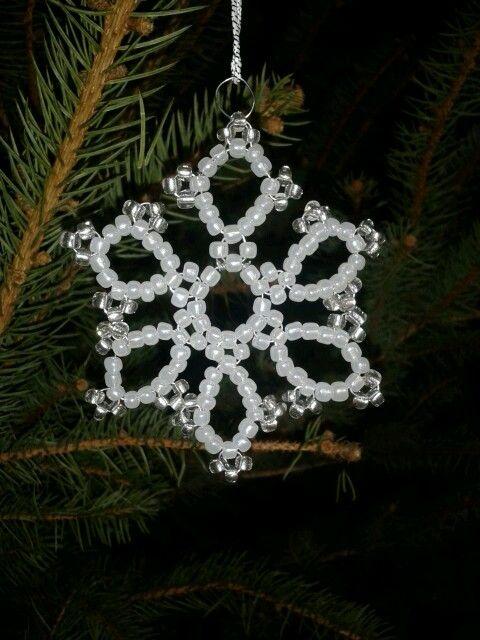 Gyöngy karácsonyfadísz