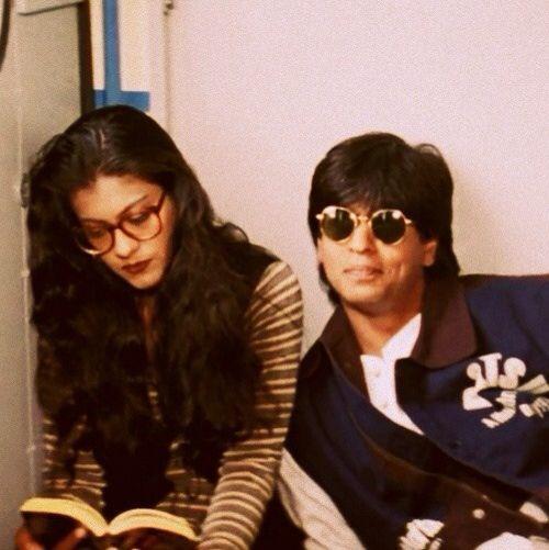 1995 Dilwale Dulhania Le Jayenge - Shahrukh Khan & Kajol One of the most adorable scenes.