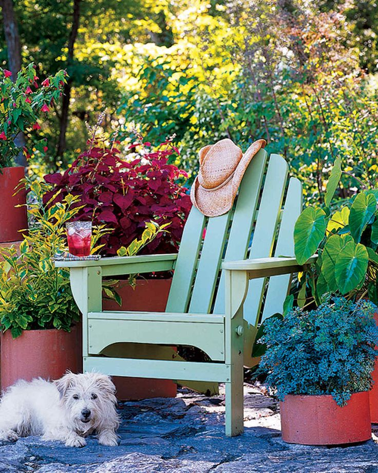 Sold in a variety of shapes and sizes at masonry yards, clay chimney flue liners cost less than terra-cotta pots. Use them to display a bevy of brightly colored plants, such as (left) Bouvardia ternifolia, Abutilon 'Dwarf Red,' Duranta erecta 'Golden Edge,' Coleus 'Sedona,' Ruta graveolens 'Blue Beauty,' and Colocasia esculenta 'Fallax.'