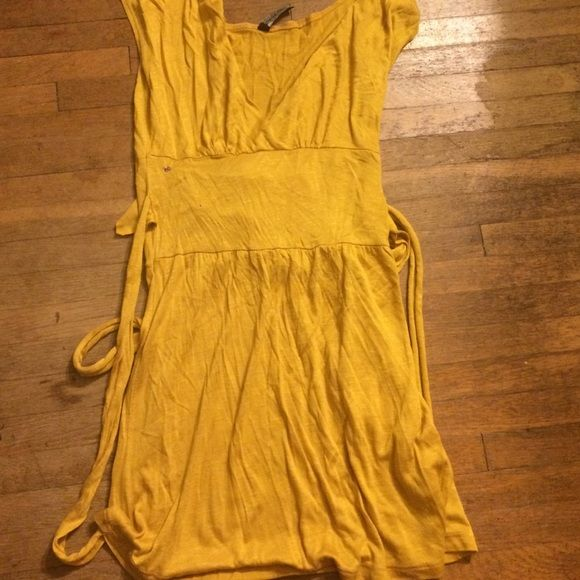 Cute mustard colored dress Cute mustard colored dress NWOT you can pair it with leggings Casa Lee Dresses