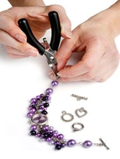 An on-line community of jewellery making enthusiasts, where you can get lots of inspiration and help with all kinds of jewellery making projects.