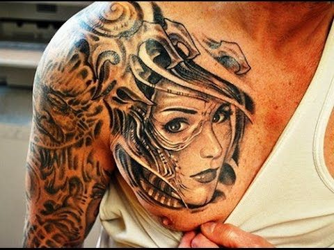 beautiful woman shoulder tattoo