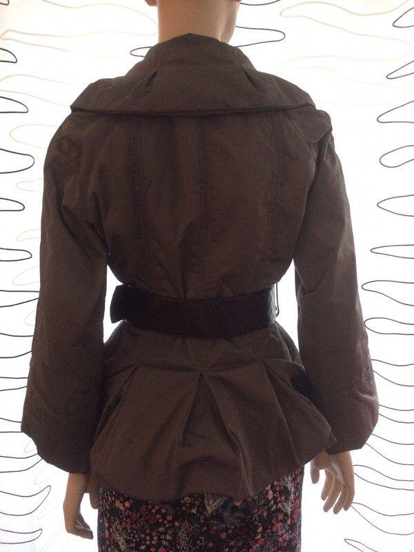 Mein Schicke kurze Jacke mit breitem Gürtel  von Zara! Größe 42 / L / 14 für 19,00 €. Sieh´s dir an: http://www.kleiderkreisel.de/damenmode/halblange-mantel/152840461-schicke-kurze-jacke-mit-breitem-gurtel.