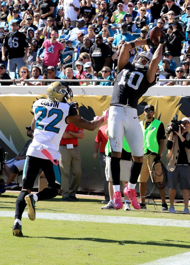 Raiders vs. Jaguars:     October 23, 2016  -  33-16, Raiders  -     Seth Roberts #10 of the Oakland Raiders catches a touchdown pass in front of Aaron Colvin #22 of the Jacksonville Jaguars during the game at EverBank Field on October 23, 2016 in Jacksonville, Florida.  (Photo by Sam Greenwood/Getty Images)