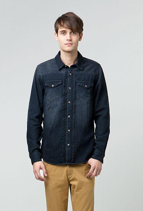 """Need bold look denim shirt for your style? You need this one, """"RAN"""" from Lee Cooper. Menggunakan material denim berkualitas tinggi, kemeja lengan panjang ini diperkaya oleh detil embroidery union jack yang khas Lee Cooper pada bagian siku. Dengan dua kantung fungsional di bagian dada kanan kiri, kemeja denim teranyar Lee Cooper ini memiliki dua pilihan warna yang maskulin, dark grey dan dark indigo. Perfectly match for your manly look in this season!"""